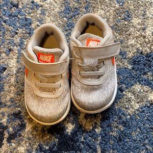 Nike Baby/Walker Sneaker